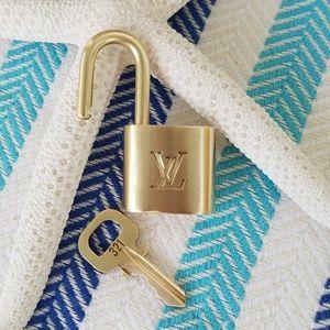 Louis Vuitton Lockset Lock & Key # 321